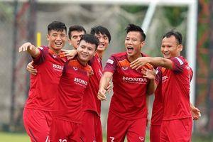 Việt Nam tụt hai bậc trên BXH FIFA, vẫn trên Thái Lan đứng đầu Đông Nam Á