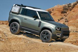 Land Rover Defender 2020 - đối thủ đáng gờm của Mercedes G-Class