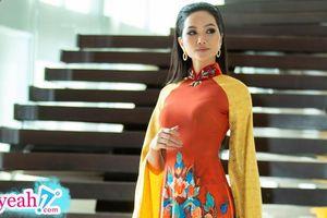 Chán phong cách nổi loạn, H'Hen Niê hóa nhẹ nhàng thanh thoát với tóc đen áo dài thướt tha tại Thái Lan