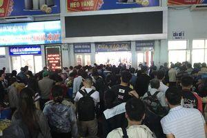 Bắt đầu bán vé tàu tập thể dịp Tết Canh Tý 2020