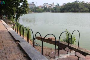 Đường dạo quanh hồ Hoàn Kiếm sụt lún mất an toàn