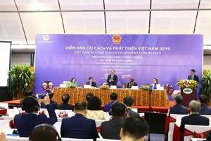 Phiên toàn thể Diễn đàn Cải cách và phát triển Việt Nam 2019