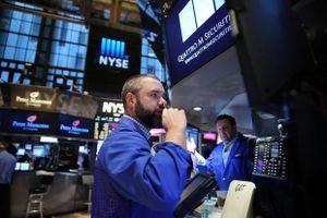 Fed cắt giảm lãi suất, giới đầu tư vẫn bất an