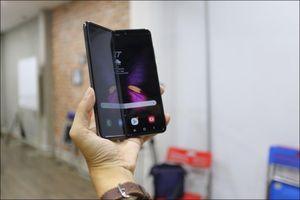 Bỏ gần 100 triệu đồng để sở hữu Galaxy Fold tại Việt Nam