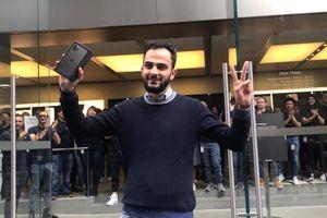 Apple Store vỗ tay chào đón người mua iPhone 11 đầu tiên thế giới