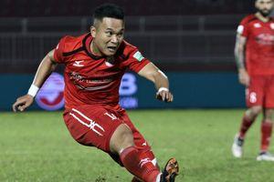 Phi Sơn nhận áo số 10 trước derby bóng đá TP.HCM