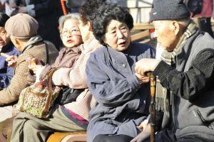 Nền kinh tế lớn thứ ba thế giới oằn mình vì gánh nặng dân số già