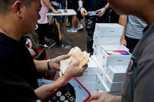 Hong Kong không còn bán iPhone như rau lề đường