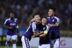 Đội Hà Nội FC đoạt ngôi vô địch sớm trên sân Vinh