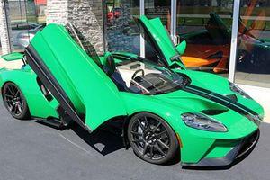 Xe thể thao Ford GT dùng chán bán hơn 30 tỷ đồng