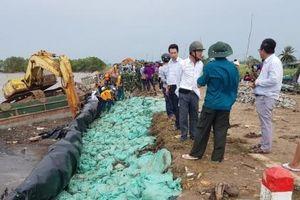 Cà Mau: Ban bố tình huống 'khẩn cấp' do sạt lở bờ biển