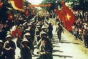 Đẩy mạnh tuyên truyền kỷ niệm 65 năm Ngày giải phóng Thủ đô