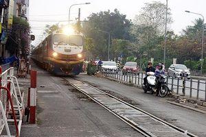 Hà Nội: Ngang nhiên lấn chiếm hành lang an toàn đường sắt