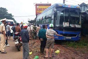 Xe khách tông xe máy, 2 người tử vong tại chỗ
