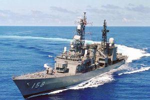 Tàu khu trục Nhật Bản diễn tập chung với Hải quân Malaysia