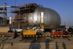 Tổ hợp hóa dầu của Saudi Abrabia chi chít vết đạn sau vụ tấn công