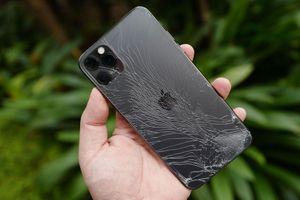 Kính 'bền nhất thế giới' trên iPhone 11 gây tranh cãi