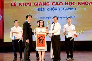 Trường ĐH Kinh tế Quốc dân khai giảng Cao học khóa 28, chào đón 770 tân học viên