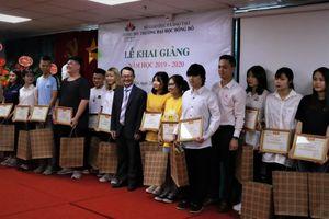 Trường ĐH Đông Đô khai giảng năm học mới