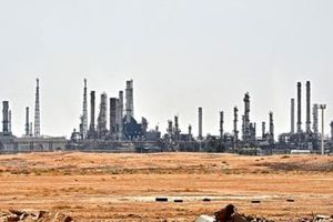 Cháy nhà máy dầu Saudi, nóng thị trường thế giới