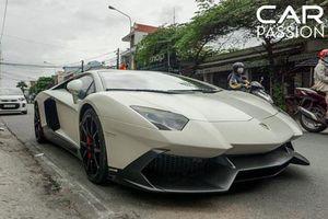 Siêu xe Lamborghini Aventador 50th Anniversario Nam tiến