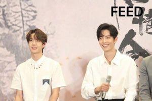 Fan-meeting Trần tình lệnh: Tiêu Chiến, Vương Nhất Bác cùng diện áo sơ-mi trắng chuẩn soái ca