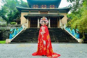 Kim Ngân kiêu sa trong áo dài rồng vàng của NTK Tommy Nguyễn