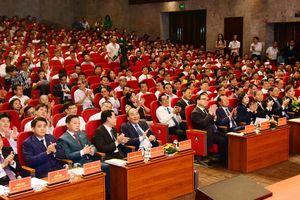 Thủ tướng dự Hội nghị tổng kết 10 năm XDNTM tại Hà Nội