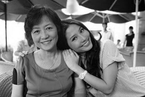 Diễn viên Diễm My 9X hoàn thành tâm nguyện xây cầu mang tên mẹ