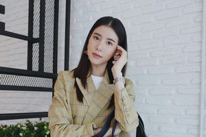 Nữ diễn viên Thái nổi tiếng thích mặc lại đồ cũ, ít dùng hàng hiệu