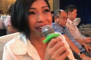 Ca sĩ Phương Thanh khóc nức nở vì 'Ngôi nhà trên thuyền'