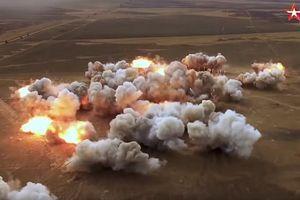 Nga khoe sức mạnh bệ phóng bắn loạt 24 tên lửa trong cuộc tập trận với Trung Quốc và Ấn Độ