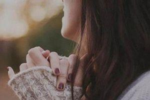Bí mật 'khó nói' của những cô nàng có đôi bàn tay lạnh