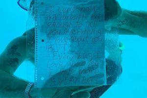 Chàng trai lãng mạn chết đuối thương tâm khi cầu hôn dưới nước