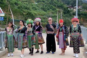 Gần 2 vạn người tham dự lễ hội Mường Lò, Yên Bái