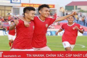 Hồng Lĩnh Hà Tĩnh lội ngược dòng, giành chiến thắng 2 - 1 trong ngày nhận cúp vô địch