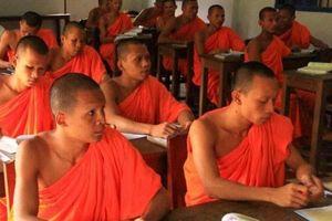 Nam giới dân tộc nào ở Việt Nam cứ 12 tuổi là phải đi tu?
