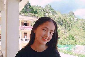 Sau hơn 1 năm nổi tiếng, 'cô bé bán lê' ở Hà Giang càng ngày càng xinh đẹp, đáng yêu
