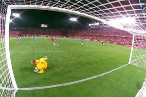 Messi 'mất tích', Barcelona thảm bại 0-2 trước Granada