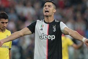 Ronaldo bất ngờ 'đổi giọng' mắng antifan là ngu ngốc