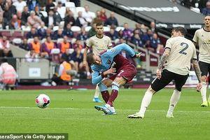 Dùng đội hình trẻ nhất Ngoại Hạng Anh, MU bị West Ham đánh bại