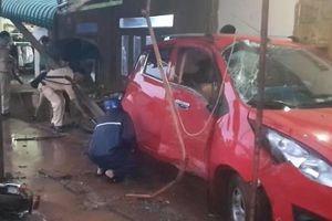 Công an phường có 'men' lái xe tông chết một công nhân