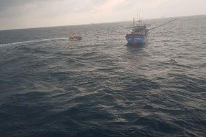 Cứu ngư dân nguy kịch tính mạng do dập cánh tay trái