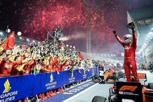 Vettel lần đầu thắng chặng sau hơn một năm chờ đợi