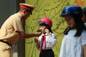 Hơn 1.000 học sinh Hà Nội tham gia tìm hiểu an toàn giao thông