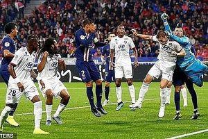 Lyon 0-1 PSG: Neymar lại chứng minh đẳng cấp của 'ngôi sao'