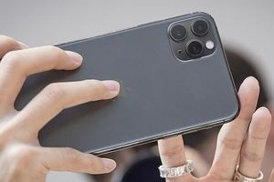Bất chấp lời chê bai, iPhone 11 vẫn bán chạy hơn các phiên bản cũ