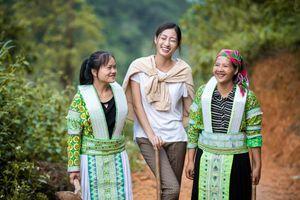 Hoa hậu Lương Thùy Linh làm đường cho người dân vùng cao