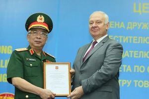 Tướng Nguyễn Chí Vịnh nhận Huân chương Hữu nghị của Liên bang Nga