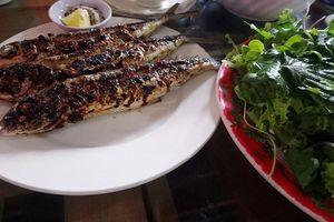 Ngon 'nhức răng' cá chuồn nướng biển Rạng